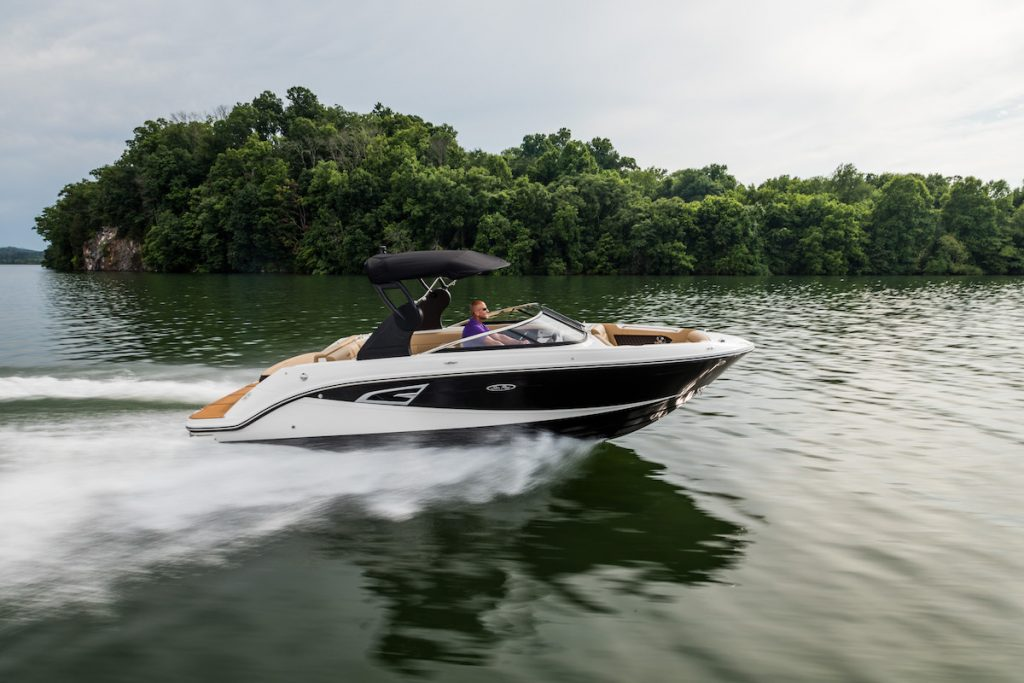 Sea Ray SLX Serie 1